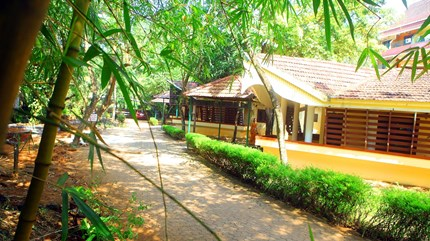 Vaidyaratnam Thaikatt Mooss Ayurveda hospital in Thrissur